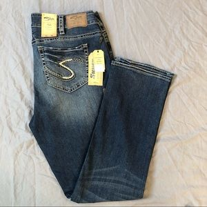 NWT Silver Suki mid rise straight leg super stretch relaxed fit jeans size 18